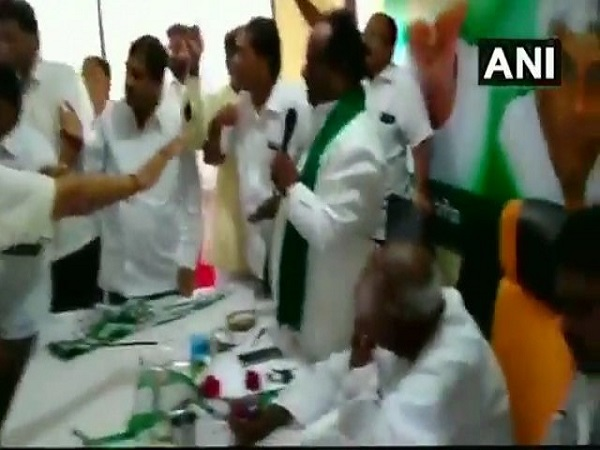 JDS workers create ruckus during a party meeting in presence of HD Deve Gowda