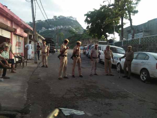 fire between Punjab Police and criminals near Naina Devi Temple