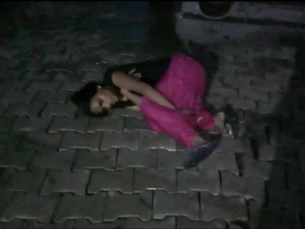 woman lying on the floor of the hospital moaned with pain in bulandshahr
