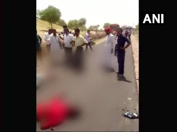 rajasthan: 3 accident victim die in barmer. as onlookers click selfies