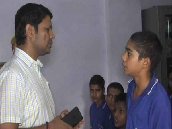 DM surprise inspection of child prisoners in hardoi