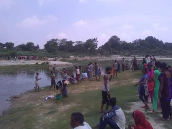 two children died in sai river in pratapgarh