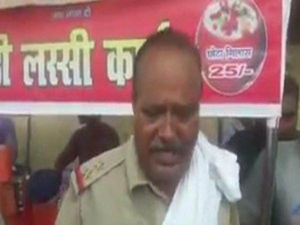lucknow criminal looted pistol from inspector