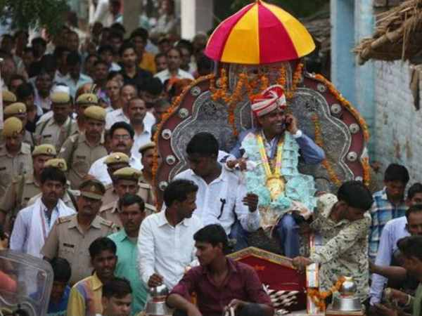 dalitman takes out baraat through thakur dominated village in up