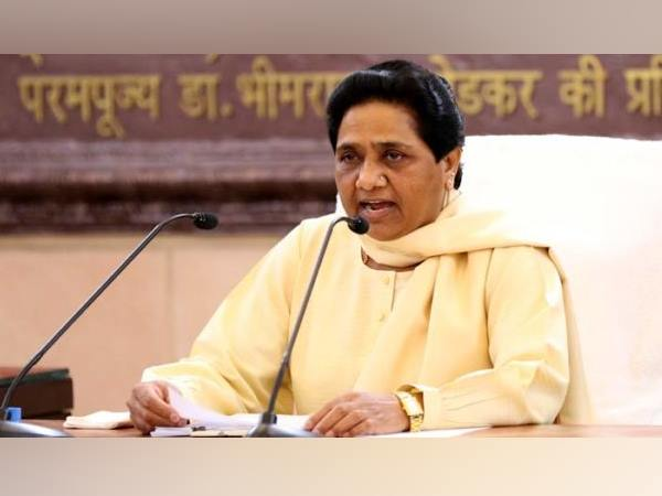 BSP has no official Facebook or Twitter accounts: Mayawati
