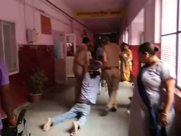 moradabad police in dragged the accused to hospital