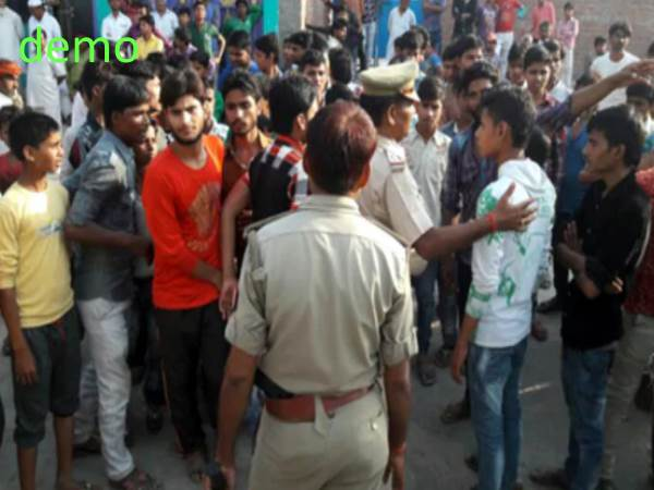 kanpur dehat people ruckus in sandalpur police station