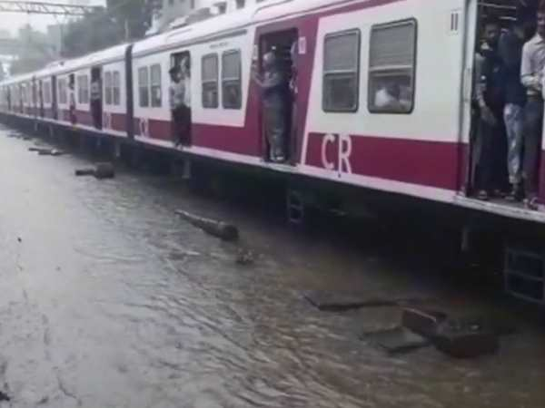 mumbai rains many trains cancelled and change timing