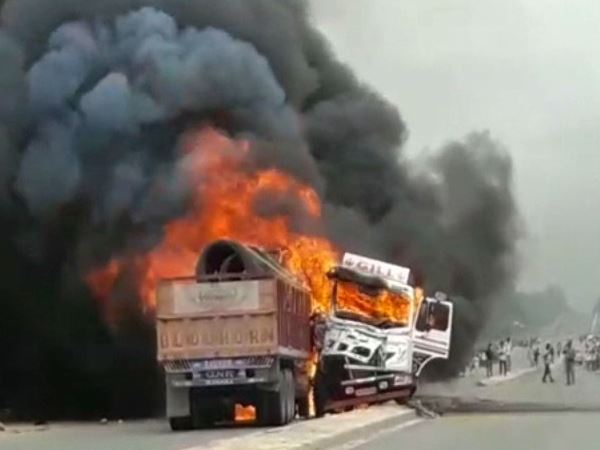 hardoi truck road accident one burnt alive
