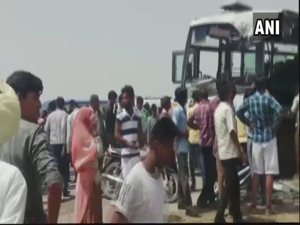 Rajasthan: 6 people killed, 21 injured in bus and a dumper truck accident