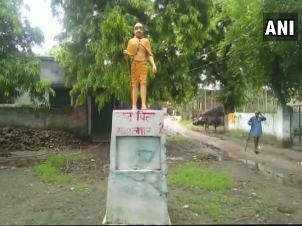 A statue of Mahatma Gandhi has been painted saffron in a village in Shahjahanpur.