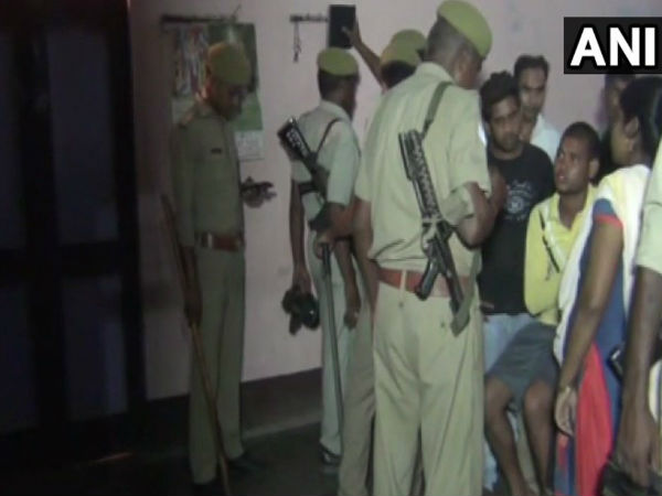 Police recovered bodies of a man,his wife & three daughters from a locked house in Allahabad