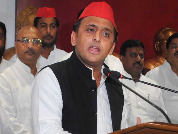 akhilesh yadav denies to speak regarding chacha shivpal yadav and his newly formed party