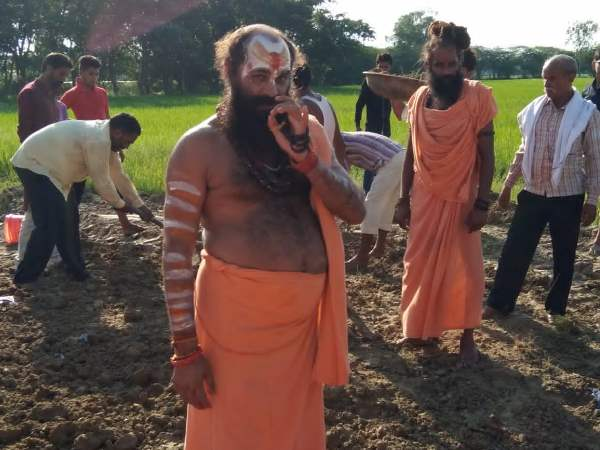 Mouni Swami took the Geo trance in Amethi on demand of construct Ram temple