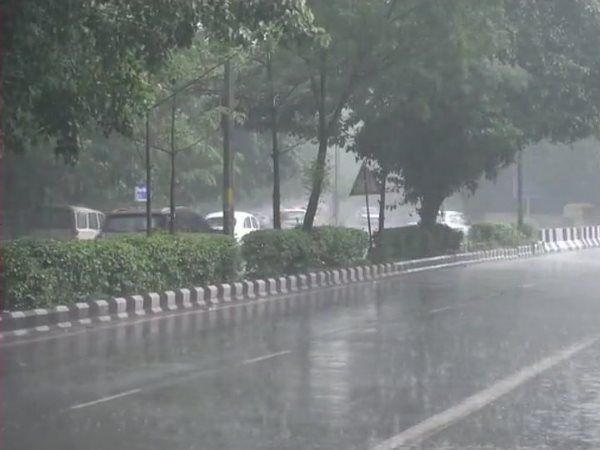 weather Rain lashes parts of Delhi ncr