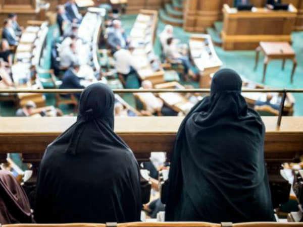 Image result for डेनमार्क में हिजाब बैन होने के बाद पहली बार किसी महिला
