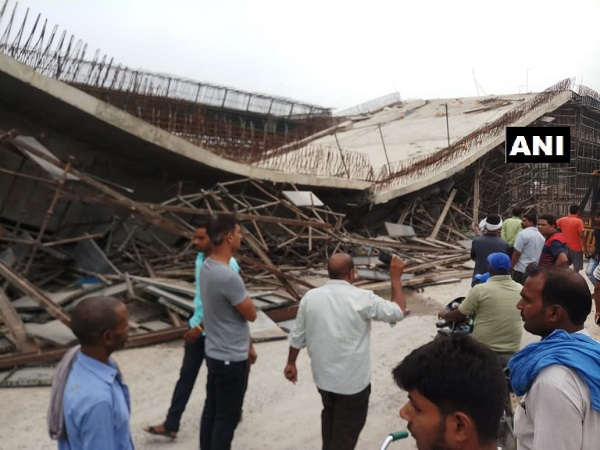 Lintel of a flyover on National Highway 28 collapsed in Basti, 4 people injured
