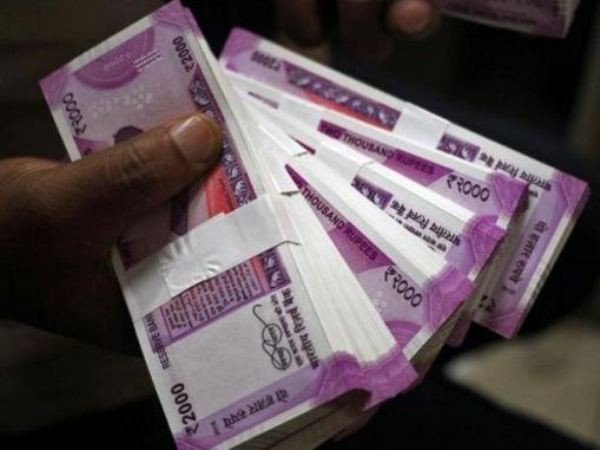 Indian Rupee hits fresh record of 70.22 against the US dollar