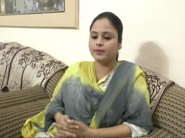 man gave life threat to minister mukhtar abbas naqvis sister