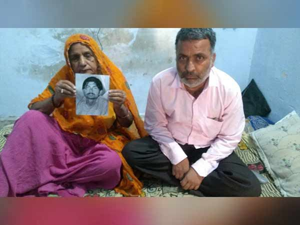 Gajanand Sharma who released from prison of Pakistan after 36 years reached to india