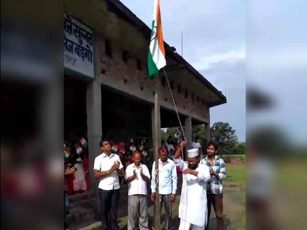 girl students in maharajganj madarsa not allowed to sing national anthem