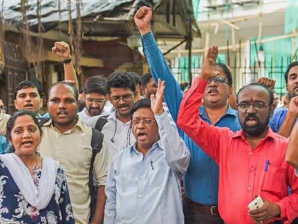 7th पे कमीशन की मांग को लेकर महाराष्ट्र बंद का आज दूसरा दिन, कई ऑफिसों में कामकाज ठप