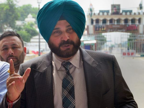 shock for Navjot singh Sidhu, 1988 Patiala Road Rage case will open again in Supreme court