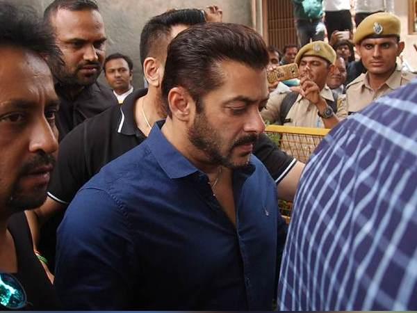 no relief of salman khan from jodhpur court every time he has to get permission to leave India