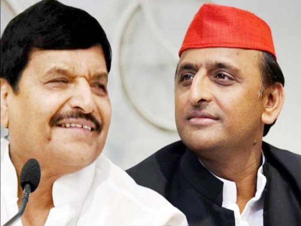 shivpal singh yadav and akhilesh fight with each other in stage in october 2016
