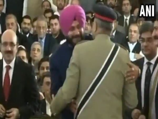 captain amrinder is unhappy with Navjot Singh Sidhu on pakistan visit