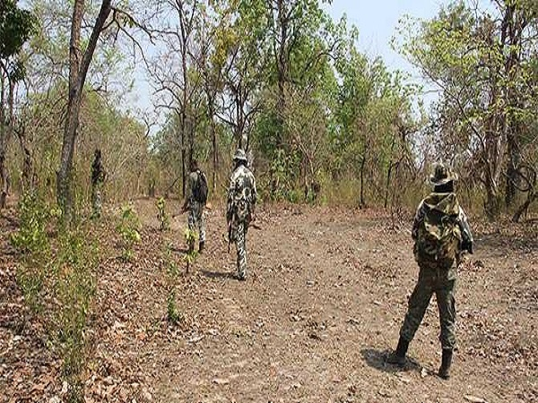 Chhattisgarh: 14 naxals killed in an encounter with security forces near Sukma