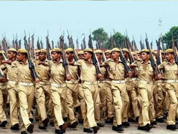 vacancy in up police 5th class pass applicant can apply
