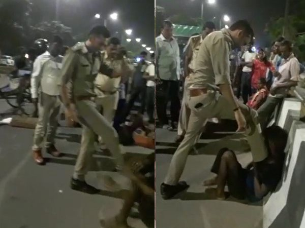 up policeman beats a auto driver very badly video goes viral