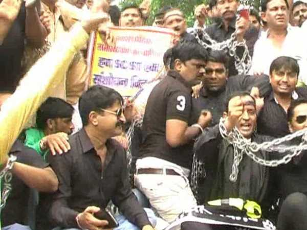 kanpur businessman protest against SC ST act with backward class and muslim community