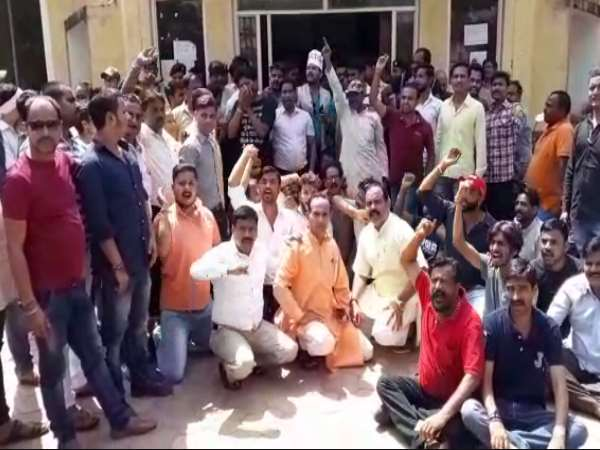 mob atrocity in Gwalior Congress councilor has filed FIR against 100 people under SC / ST Act