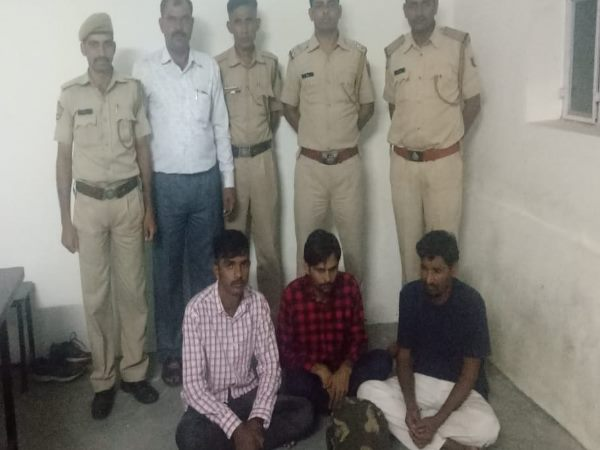 jaipur police arrested 2 men with approx 1 crores of fake currency