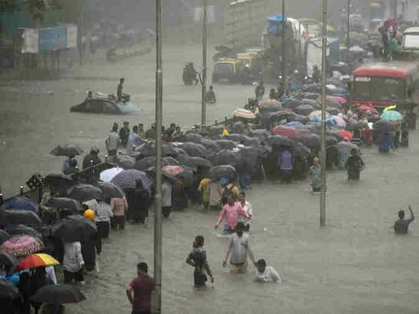 heavy rainfall in north india took several lives live updates