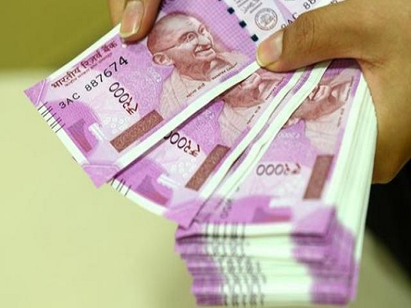 Rupee Collapses To Lifetime Low, reaches close to 73