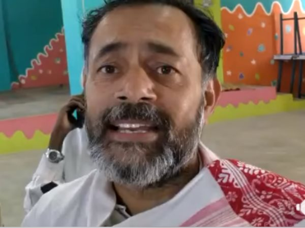 Yogendra Yadav Detained In Tamil Nadu says Manhandled and Phone Snatched