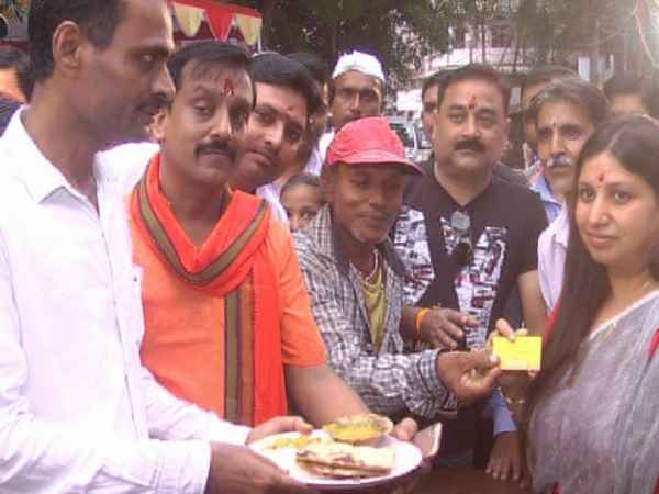 Yogi plate, started in Allahabad, gets food in 10, free to the poor
