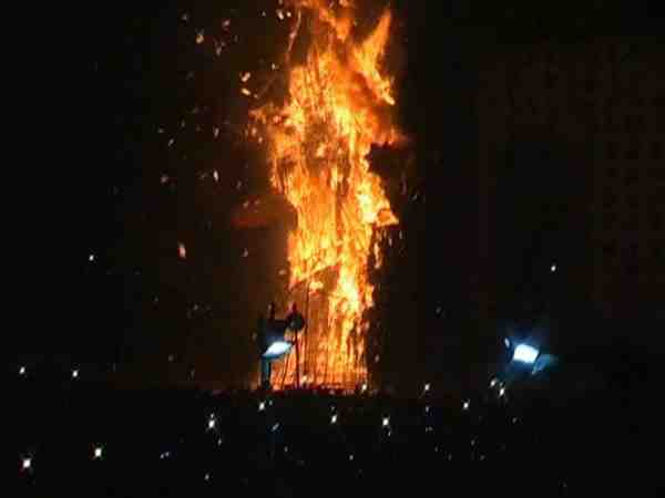 fire broke out in parade ramleela ground in kanpur
