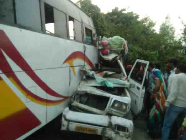 seven people died and many injured in a road accident in raebareli