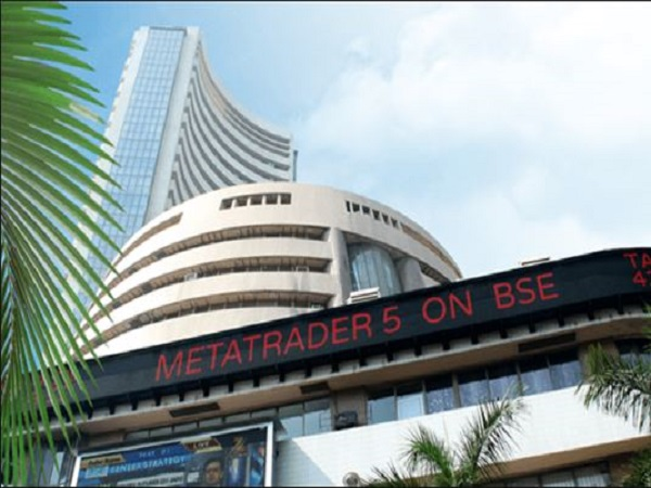 rupee down against dollar, sensex edges lower in early trade