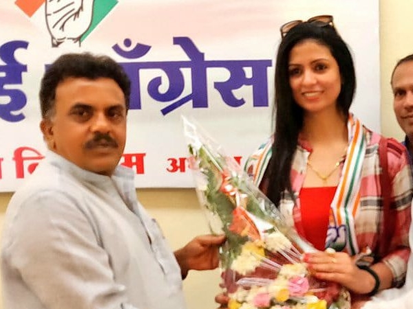 Hasin Jahan, wife of cricketer Mohammed Shami, joined Congress in mumbai