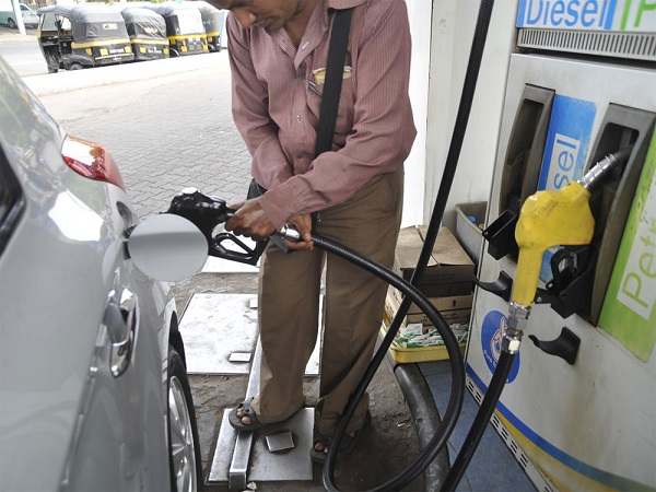 Petrol price down by 16 paisa, whereas diesel price decrease by rs 12 paisa on sunday