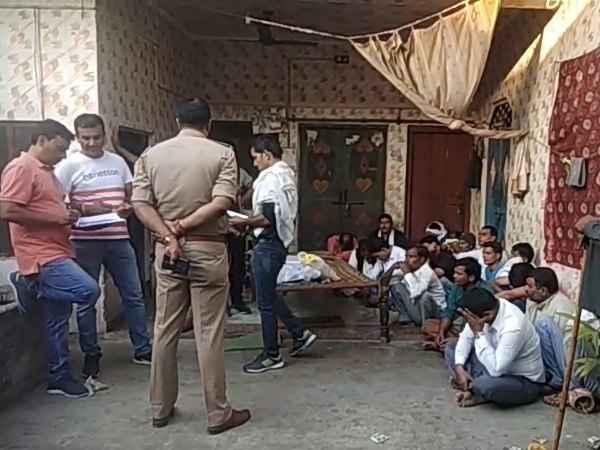 Image result for बीजेपी नेता के घर बड़े पैमाने पर खेला जा रहा था जुआ