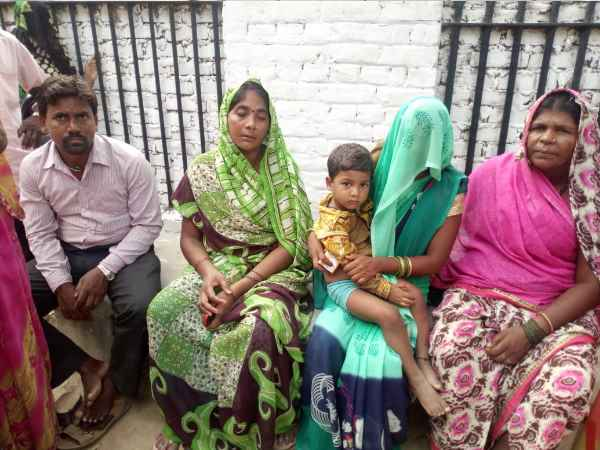 Pregnant wife demanded 10 rupees husband beaten in sultanpur