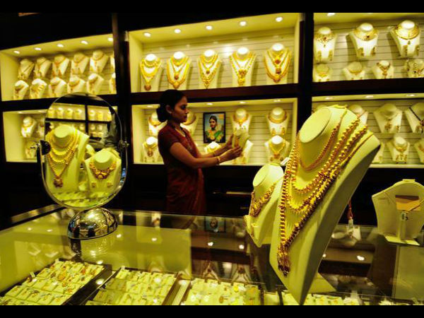 Gold prices rebound today after two-day fall, silver rates rise