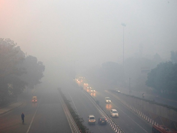 Pollution in Delhi relents slightly, but may choke tonight during diwali celebrations