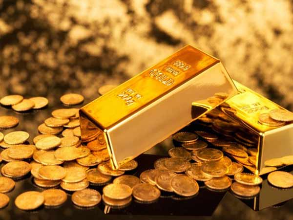Gold price: Gold rate fall on Monday,Silver Price Fall By Rs 150, Know Todays Price